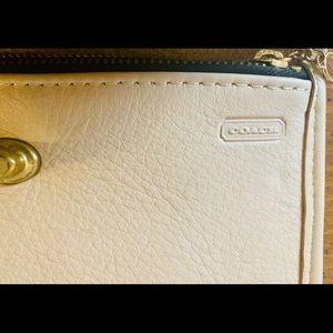 VINTAGE Coach leather wallet